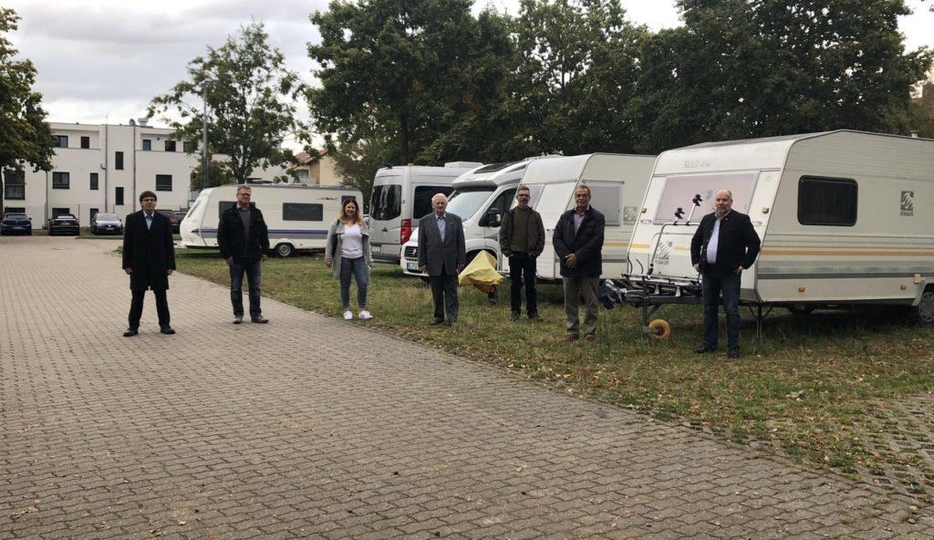 CDU verschaffte sich Eindruck über Parkplatzsituation.