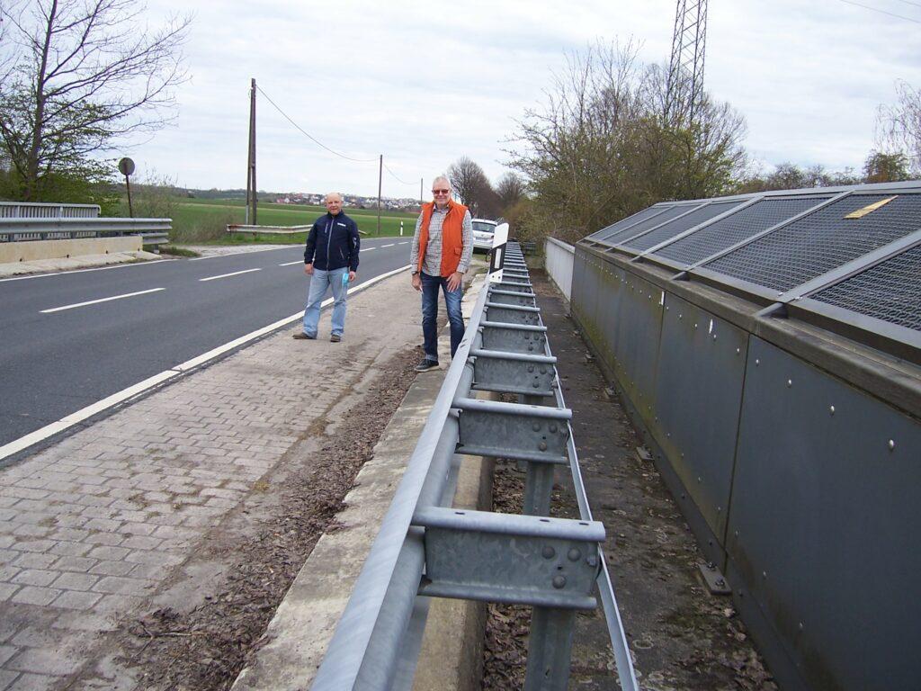 Bei  Erneuerung der Brücke einen Fuß und Radweg ergänzen